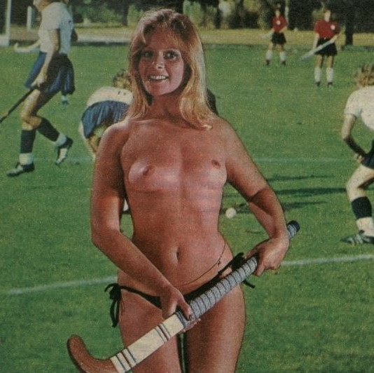 Mary Millington Titbits 1976 b